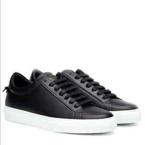 Givenchy urban street knot sneakers 7.5 black flat